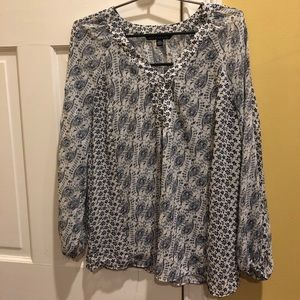 Zac & Rachel loose fit blue & white paisley blouse